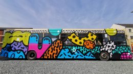 HSS Graffiti bus
