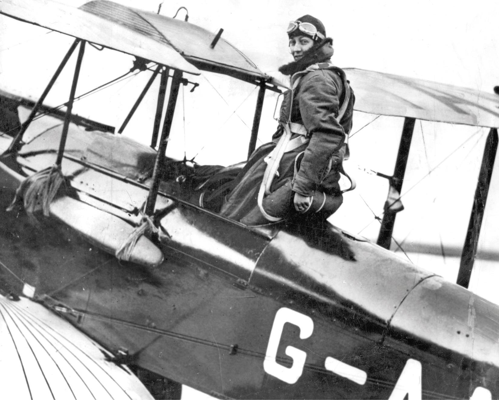 Amy Johnson and her plane Jason.
