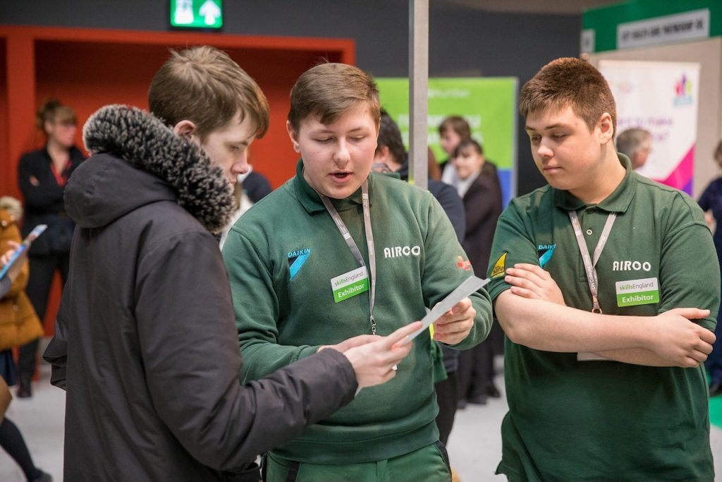 Discover how apprenticeships enable you to earn while you learn, at the Airco Virtual Open Event.
